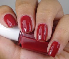 Essie: ♡ Dress To Kilt ☆ . a RED nail polish from the Essie Dress To Kilt Collection of Fall 2014 Red Nail Polish, Red Nails, Hair And Nails, Subtle Nail Art, Opi Gel Nails, Hello Kitty Nails, Stiletto Nail Art, Red Nail Designs, Pastel Nails