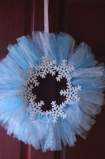 Make to hang as a wreath and add Alden's picture. Winter ONEderland Sparkly tuelle and glittered snowflakes! Frozen Birthday Theme, Twin First Birthday, First Birthday Parties, Girl Birthday, First Birthdays, Birthday Ideas, Christmas Things To Do, Winter Wonderland Birthday, Winter Onederland