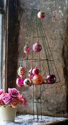 Bijou and Boheme: Wink of Pink #8 - Christmas