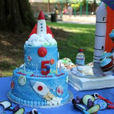 1000 images about planets birthday party on pinterest for Outer space cake design