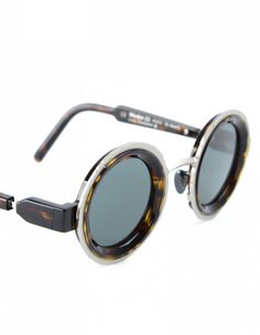 Sunglasses Kuboraum (photo)