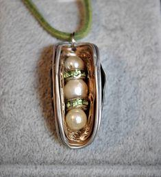 Réalisations de colliers et de pendentifs à partir de capsules Nespresso ®
