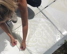 How To Stencil Your Patio Flags Painting Tile Floors, Painting Concrete, Painted Floors, Stencil Concrete, Back Garden Landscaping, Backyard Patio Designs, Patio Ideas, Backyard Ideas, Garden Tiles