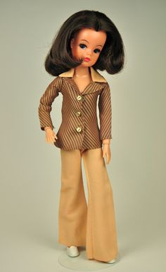 1975 Sindy - Our Sindy Museum Vintage Barbie, Vintage Dolls, Night Outfits, Cool Outfits, Sindy Doll, Barbie Patterns, Barbie Dress, Couture, Old Toys