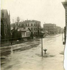 Flood waters on Ludlow Street :: 1913 Dayton Flood Collection