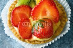 Tortina con crema e frutta - Cake with cream and fruit © Pietro D'Antonio