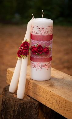 Clay or ribbon flowers & wraps (for show). Remove decorations when burning candles! Handmade Candles, Diy Candles, Scented Candles, Pillar Candles, Candels, Christmas Candles, Christmas Crafts, Christmas Decorations, Wedding Unity Candles