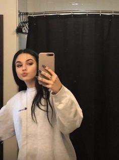 grafika gorgeous, singer, and maggie lindemann Pretty People, Beautiful People, Mode Kylie Jenner, Shotting Photo, Tumbrl Girls, Foto Casual, Maggie Lindemann, Selfie Poses, Selfies