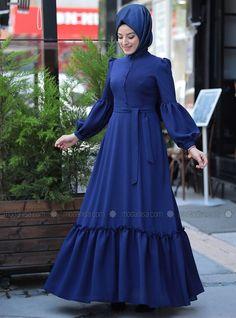 Abaya Style 385831893072761153 - Zehrace İndigo Balon Kollu Abiye Elbise Source by yesiltopuklar Modest Fashion Hijab, Modern Hijab Fashion, Muslim Women Fashion, Islamic Fashion, Abaya Fashion, African Fashion Dresses, African Dress, Fashion Outfits, Hijab Evening Dress