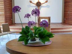 Die fabelhafte Welt der Seifenkunst: Einen schönen Sonntagsgruss schlichtes alliumgesteck mit christrosenblättern