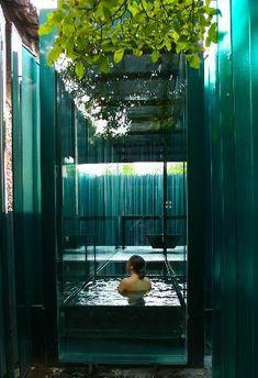 Olot, Catalonia, Spain - Les Cols Pavellons: Baño en el pabellón