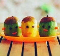 Halloween com mais travessuras e menos doces? Dicas de lanchinhos saudáveis da @pequeno_gourmet hoje no blog! #maetipoeu #kids #kidslunch #kidssnack #healthymeal #healthy #halloween