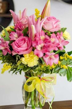 Excellent Arrangements And Bouquets Ideas With Easter Flowers - Easter--regarded as one of the most important religious feasts in the year--is marked by fun, togetherness and love. Feasts, get-togethers, and prayer. Easter Flower Arrangements, Easter Flowers, Mothers Day Flowers, Spring Flowers, Floral Arrangements, Flower Holder, Bright Flowers, Fresh Flowers, Floral Centerpieces