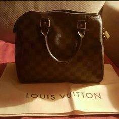 Louis Vuitton speedy 25 Louis Vuitton speedy 25 in EXCELLENT CONDITION minor markings from makeup inside, minor scratches on lock. Have original receipt  ON HOLD FOR A BUYER TILL THURSDAY Louis Vuitton Bags Mini Bags