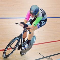 Black Line Sprinting International, prepare to perform with Road Cycling Bags, Accessories, Track Cycling Bags, Toe Straps and many more. Cycling Bag, Track Cycling, Mtb, Dean, Bicycle, Bags, Handbags, Bicycle Kick, Taschen