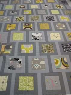 Seattle Modern Quilt Guild by Sew Katie Did Charm Pack Quilts, Charm Quilt, Scrappy Quilts, Easy Quilts, Quilting Fabric, Quilting Projects, Quilting Designs, Quilting Ideas, Charm Square Quilt
