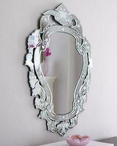 Venetian Mirrors in Decoration – 40 Inspiring Models Etched Mirror, Mirror Mirror, Mirror Bathroom, Traditional Mirrors, Neo Traditional, Cool Mirrors, Glass Mirrors, Mosaic Mirrors, Colour Architecture