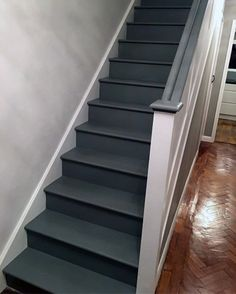 From grey solid stripes to colorful ornate patterns, discover the top 70 best painted stairs ideas. Dark Staircase, Small Staircase, Staircase Design, House Staircase, Painted Staircases, Painted Stairs, Wooden Stairs, Home Design, Flur Design