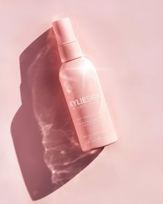 Kylie Makeup, Skin Makeup, Kylie Jenner Instagram, Makeup Remover Wipes, Kylie Cosmetic, Hand Sanitizer, Cosmetics, Kris Jenner, Paraben Free
