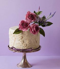 www.cakecoachonline.com - sharing...Vintage Beige Lace & Pearls Little Cake