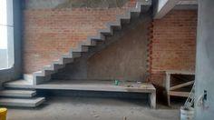 Escada Cascata com bancada em Tatuí/SP, condomínio Reserva dos Ypês II Contato: 11 973951354 Vivo/Whatsapp Email: Del.esca...