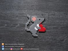 Valentine's Day Mouse Hama Pearls / Valentine's Day Mouse Perler Beads Valentine's Working day is taken into account one of my most loved instances to shar Hama Beads Design, Diy Perler Beads, Perler Bead Art, Pearler Bead Patterns, Perler Patterns, Christmas Perler Beads, Art Perle, Motifs Perler, Peler Beads