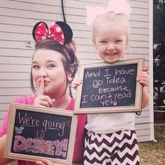 Amanda Evans Johnson surprised her three-year-old daughter with a trip to Disneyland, but before they went she snapped this photo: | This Mom Surprised Her Daughter With A Trip To Disneyland In The Cutest Possible Way