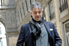 O tenor Andrea Bocelli volta a se apresentar no Brasil em outubro