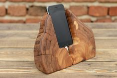 Wooden iPhone Docking station, Driftwood Dock, Charging Station, Samsung Galaxy S6 holder, Mens Gift Iphone Ladegerät, Iphone Stand, Iphone Charger, Iphone Holder, Cell Phone Holder, Samsung Galaxy S6, Iphone Docking Station, Mobile Stand, Dremel Projects