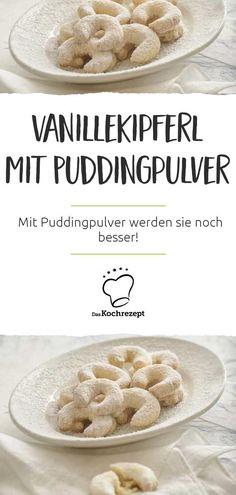 Vanillekipferl gehören sowieso zu unseren Lieblingsplätzchen. Mit Puddingpulver werden sie noch besser! Du wirst staunen, was das Vanillepuddingpulver aus deinen Kipferln macht. #vanillepulver #vanillepuddingpulver #pudding #kipferl #vanillekipferl #plaetzchen #weihnachtsplaetzchen #weihnachtsgebaeck #gebaeck #kekse #halbmond #deutschekueche #rezept #plaetzchenrezept