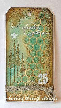 Embossing through stencils. Noel Christmas, Christmas Gift Tags, Xmas Cards, Christmas Paper, Christmas Crafts, Holiday Cards, Photo Halloween, Kunstjournal Inspiration, Karten Diy