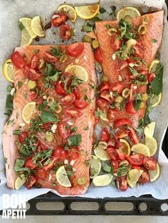 Salmon Dishes, Fish Dishes, Fish And Meat, Fish And Seafood, Lucky Food, Happy Foods, Lunches And Dinners, Healthy Choices, Food Inspiration