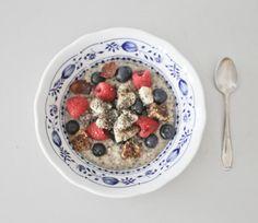 Warmes Frühstück: Porrigde in nur 7 min<br/><br/>*Warm breakfast: Porridge in only 7 minutes* — YOGATONIC