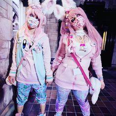"""kawaiigoods:  """"@snowbunnyem wearing alien joggers  """" Pastel Goth Makeup, Pastel Punk, Pastel Goth Fashion, Kawaii Fashion, Lolita Fashion, Colorful Fashion, Cute Fashion, Fashion Outfits, Fashion Ideas"""