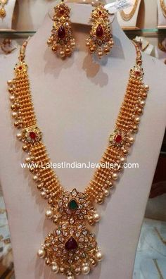 Antique Gold Necklace with CZ Pacchi Pendant - Indian Jewellery Designs Indian Jewellery Design, Indian Jewelry, Jewelry Design, Handmade Jewellery, Beaded Jewellery, Latest Jewellery, Hereford, Viria, Gold Jewelry Simple