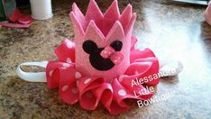 Small minnie mouse pink crown Girls birthday diy project Mouse and bow Minnie Mouse Birthday Decorations, Minnie Mouse Birthday Outfit, Birthday Party Decorations Diy, 1st Birthday Girls, Birthday Hats, Birthday Ideas, Birthday Diy, Birthday Parties, Minnie Mouse Baby Shower
