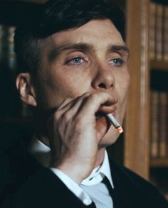 Check out all the awesome thomas shelby gifs on WiffleGif. Including all the cillian murphy gifs, peaky blinders gifs, and smoking gifs. Peaky Blinders Tommy Shelby, Peaky Blinders Thomas, Cillian Murphy Peaky Blinders, Peaky Blinders Series, Peaky Blinders Quotes, Gangsters, Peaky Blinders Wallpaper, Boardwalk Empire, Hot Actors