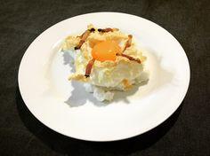 https://flic.kr/p/UBcua5 | Huevos nube. koketo | Los huevos nube son una nueva elaboración o evolución. Se trata de un merengue horneado acompañada por baicon o queso y con la yema líquida. koketo.es/huevos-nube/ @chefkoketo