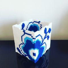 Made by Me: 3 i 1 kasse - Perleblomstskjuler, servietholder eller sparekasse i Hamaperler DIY Hama Beads 3d, Hama Beads Design, Pearler Bead Patterns, Perler Patterns, Diy Craft Projects, Diy And Crafts, Hamma Beads Ideas, Peler Beads, Types Of Craft