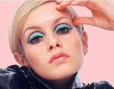 Twiggy!  (Source: ladymadonna8)  #twiggy  #supermodel  #makeup  #60's  #eyelashes  #icon  #fashion