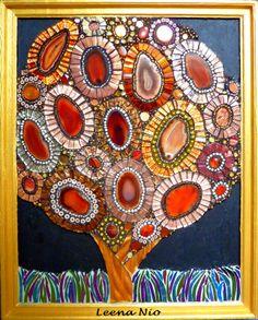 Agatha. Mosaic tree by Leena Nio. Lovely!