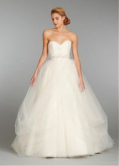 GRACEFUL TULLE SATIN BALL GOWN SWEETHEART NECKLINE WEDDING DRESS WITH BEADED LACE APPLIQUES