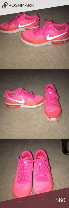 Nike air maxx Pink Nike air maxx! Still very new and in good condition! Worn three times! Only selling because I don't really like the pink anymore! Nike Shoes