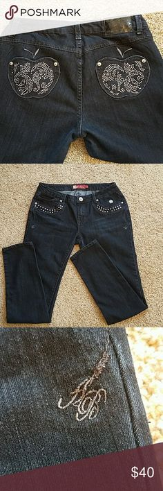 """Apple Bottoms Skinny Jeans 9/10 These jeans are in EUC.   Inseam 31"""". Size 9/10. EUC. Apple Bottoms Jeans Skinny"""