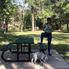 """Park Bench Workout and I'm sure you can tell who the real ⭐️star⭐️ of the workout is!! . #friyay…"""""""