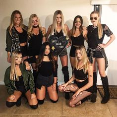 70 Ideas For Funny Girl Costumes Friends Halloween Costumes For Teens, Halloween Dress, Girl Costumes, Trendy Halloween, Halloween Kleidung, Maquillage Halloween, Halloween Disfraces, Photos, Scene