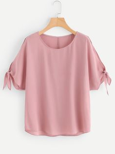 SheIn offers Tie Detail Split Dolman Sleeve Top & more to fit your fashionable needs. Dressy Tops, Western Tops, Plus Size Blouses, Types Of Sleeves, Blouse Designs, Blouse Styles, Spring Outfits, Fashion Dresses, Clothes For Women