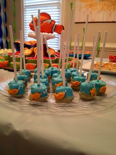 Finding Nemo themed birthday party shark fish ocean food and drinks decorating ideas 6th Birthday Parties, 2nd Birthday, Birthday Ideas, Shark Fish, Fish Ocean, Baby Shark, Decoration, Finding Nemo, Ocean Food