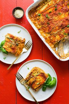Healthy, 8-ingredient lasagna made with zucchini noodles, organic red sauce, and macadamia nut 'ricotta' cheese! Hearty, wholesome and so delicious.