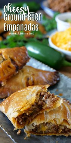 Cheesy Ground Beef Empanadas are full of deliciously seasoned ground beef loaded with two types of cheese and then baked to perfection. The post Cheesy Ground Beef Empanadas appeared first on Tasty Recipes. Meat Recipes, Mexican Food Recipes, Appetizer Recipes, Cooking Recipes, Appetizers, Recipies, Cassoulet, Beef Empanadas, Good Food